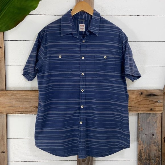 🎄Mossimo Button Front Men's Shirt Pre Loved